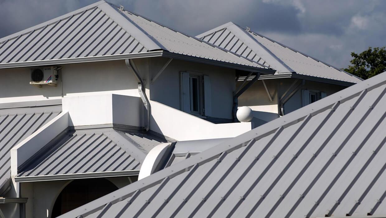 Blacha na dach - jaka najlepsza? Rodzaje blachy dachowej
